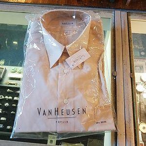 Men's Vanheusen dress shirt, poplin
